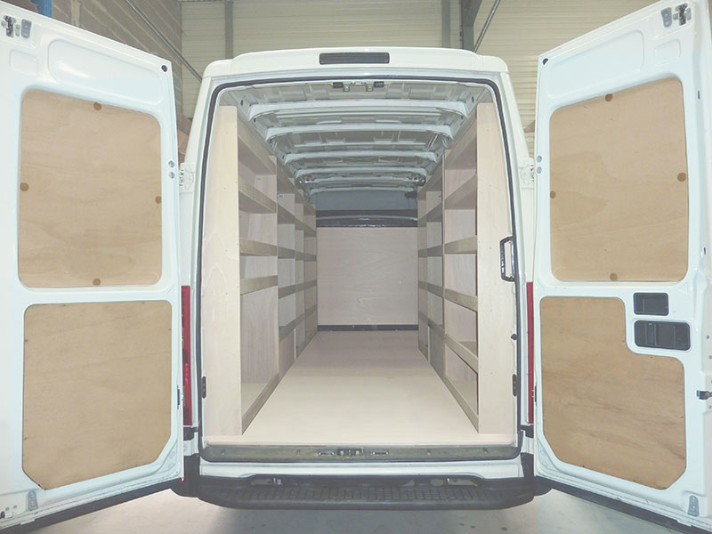 Habillage utilitaire natural kitwood for Equipement voiture interieur